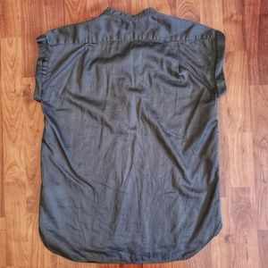 GAP Tops - 3/$25 Gap gray cotton henley